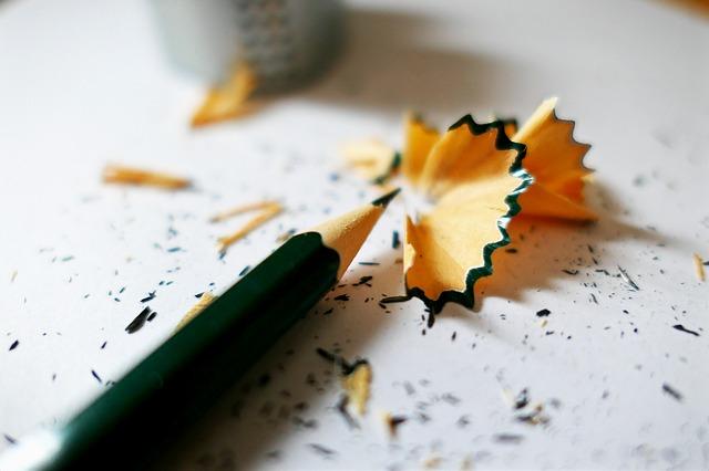 odřezky tužky