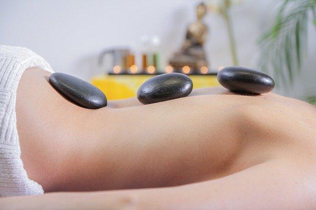masáž kameny