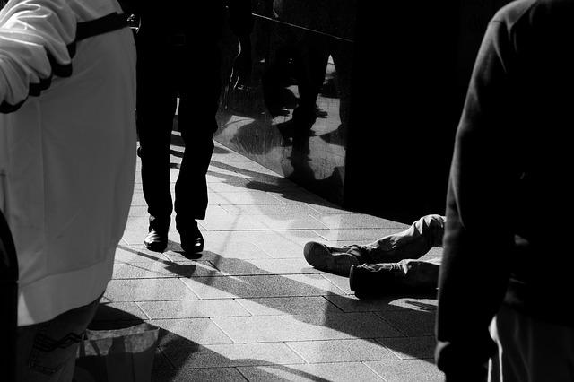 nohy bezdomovce