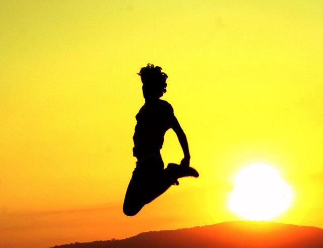 žena - výskok
