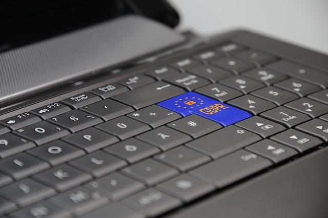notebook s tlačítky GDPR