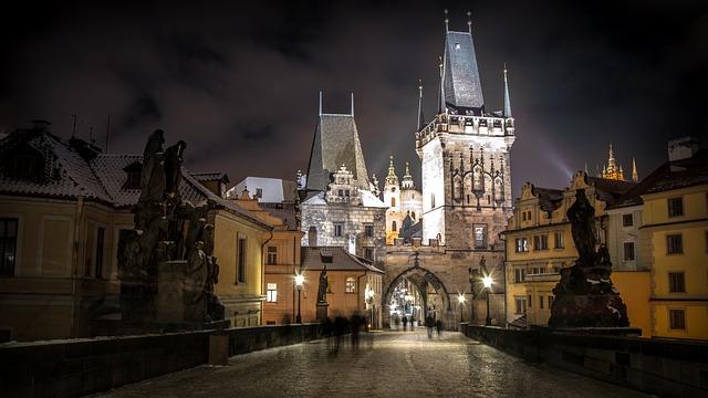Praha v nočním světle