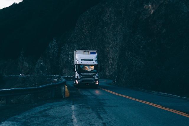 Nákladní vůz značky Scania v Soutěsce