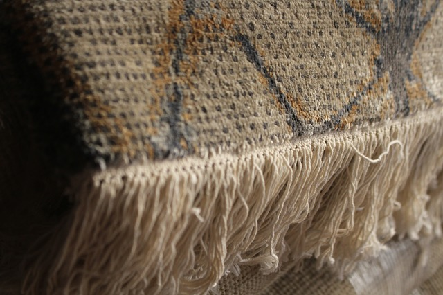 ručně tkaný koberec