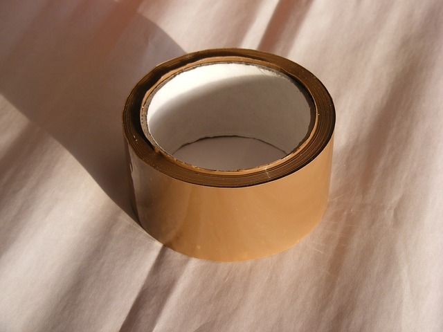 typická lepicí páska