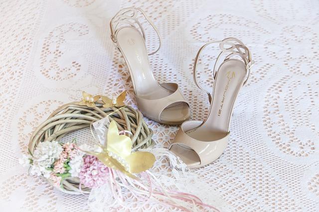 proutěný věnec jako svatební dekorace