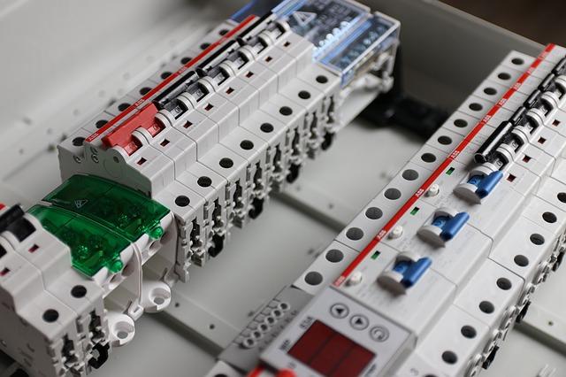 Opravy, instalace, revize a elektroservis