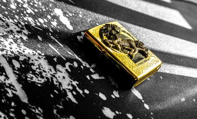 zlatý zapalovač